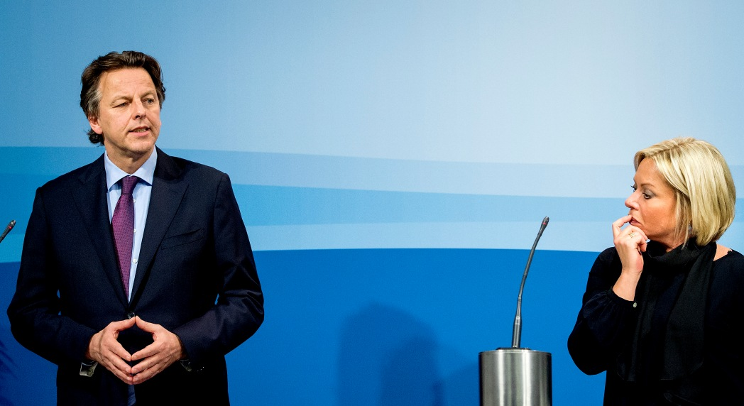 Ministers Hennis en Koender lichten besluitvorming Syrie toe